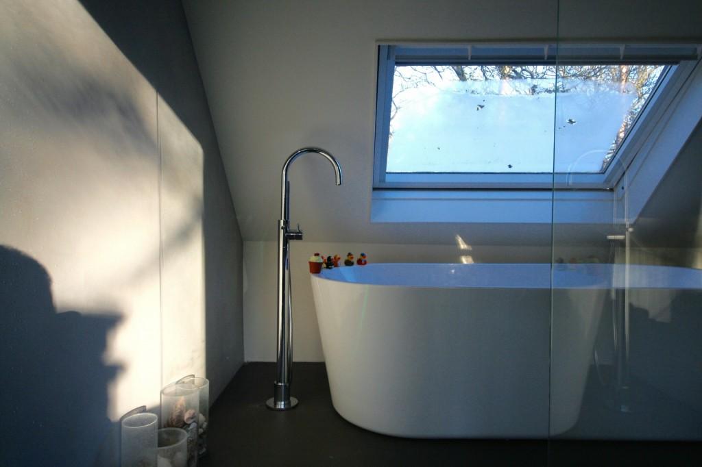 Beal Mortex Badkamer : Badkamer toilet en entree vloer afgewerkt met beal mortex betonlook